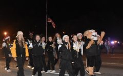 Lott's Annual Christmas Parade harolds in the Season