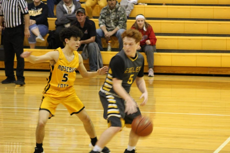 Nick Bravo looks for a steal during the Bruceville-Eddy win last Friday night.