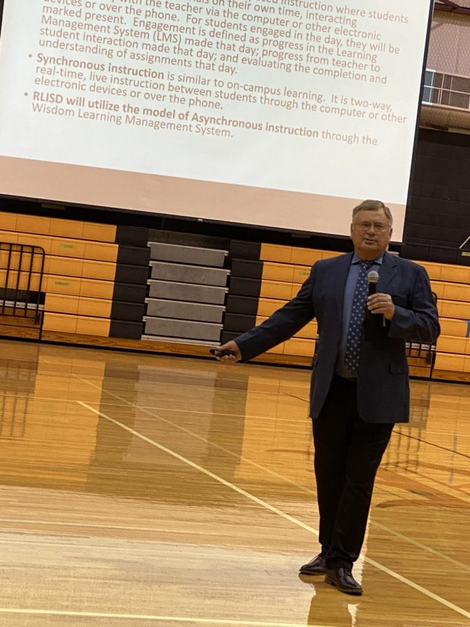 Dr. Rosebdrock address the staff during the District convocation on Thursday, Aug. 6.